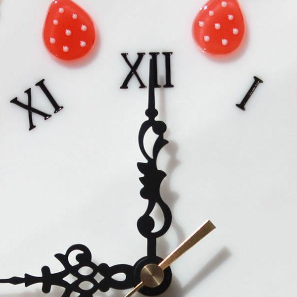 イチゴショートの掛け時計