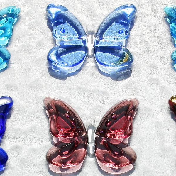 蝶々の装飾ガラス